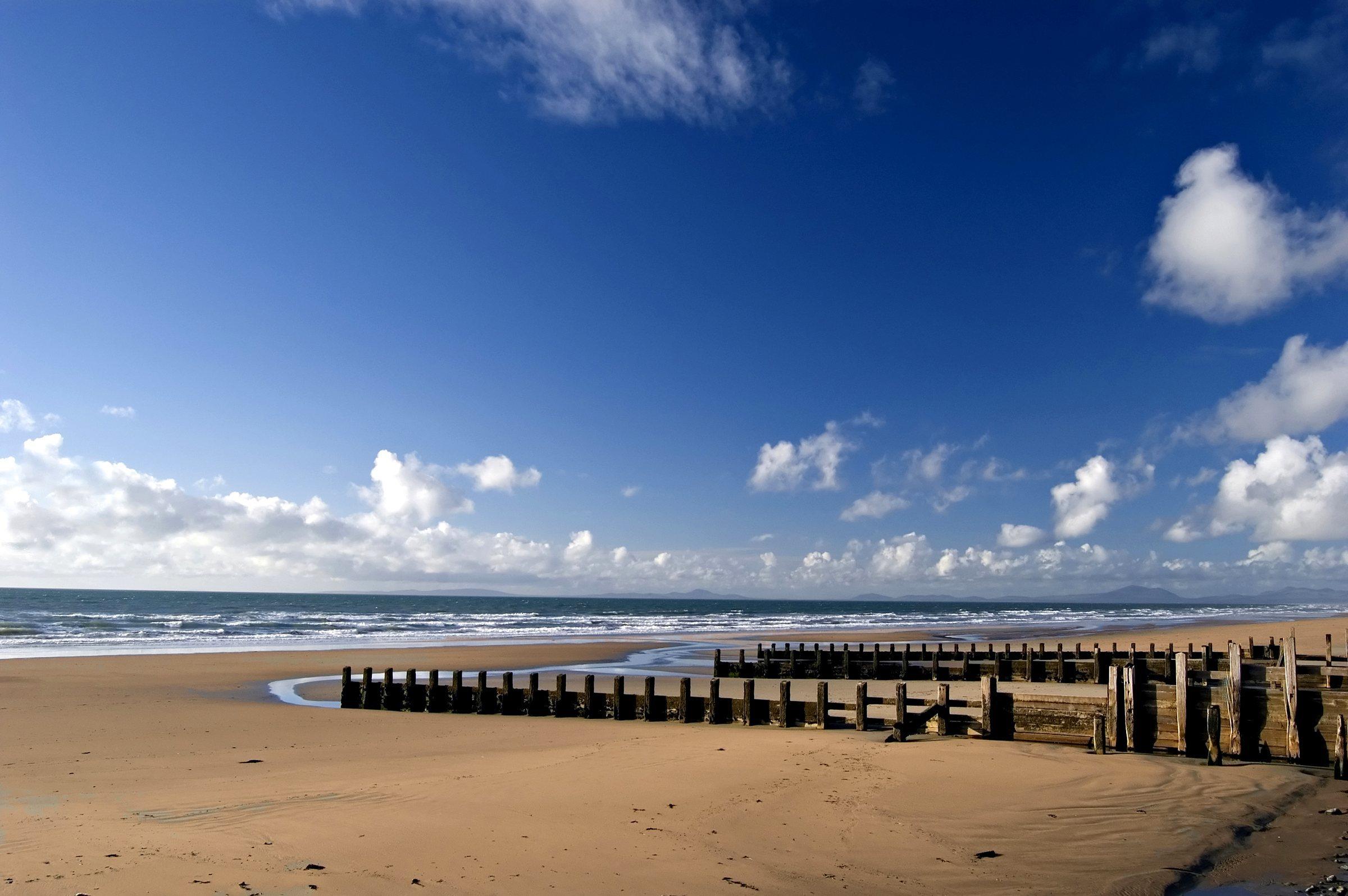 Beach Family Holidays UK - Barmouth Beach Wales