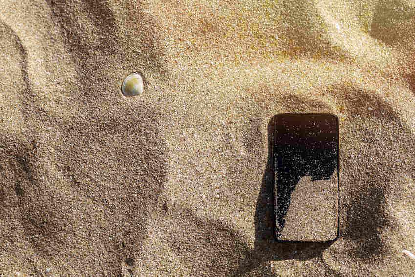 Tips for beach - sand off phone